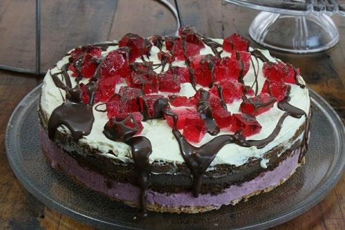 Ice cream and jelly cake