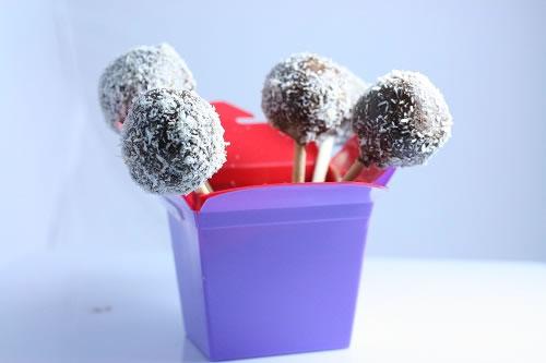 Lamington Cakepops