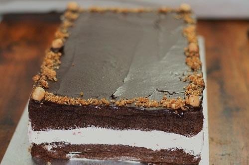 Chocolate and white choclate cream cake