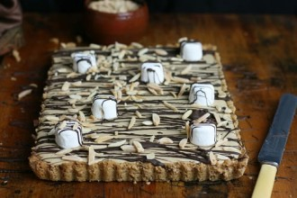 Amaretti and Marshmellow Tart