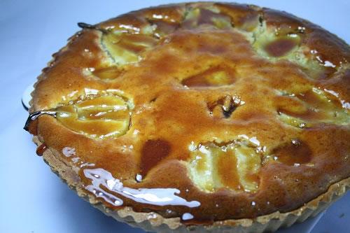 Pear tart with pedro glaze