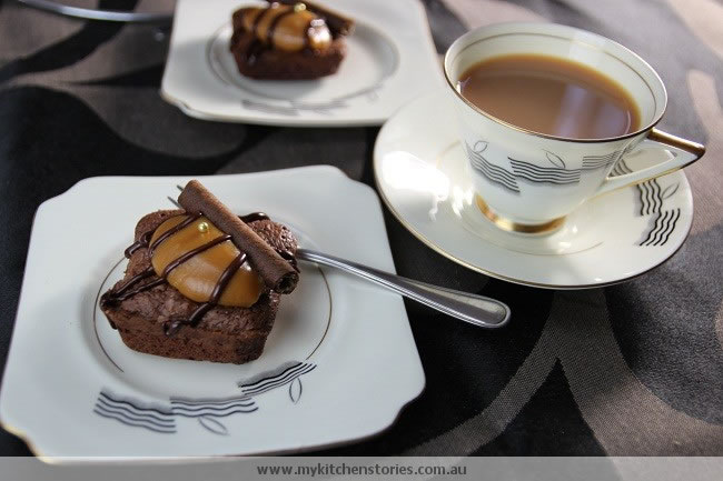 Rosemary Brownies with tea