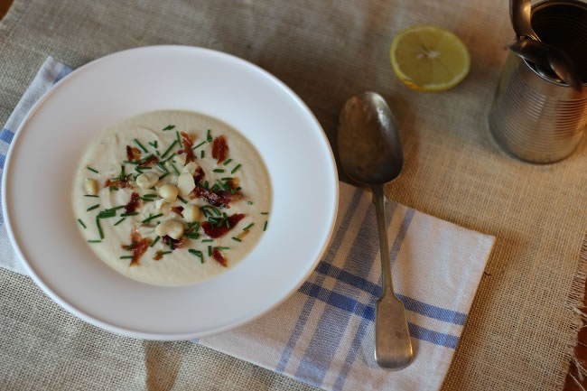 Cauliflower soup with lemon macadamias