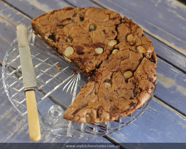 Giant Skillet Cookie