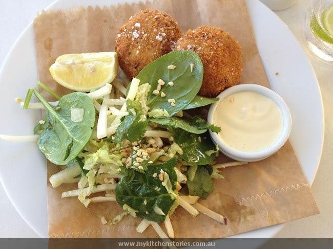 fish cakes & salad