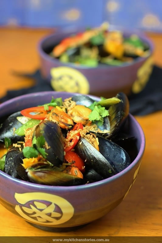Green Curry Mussels | My Kitchen Stories