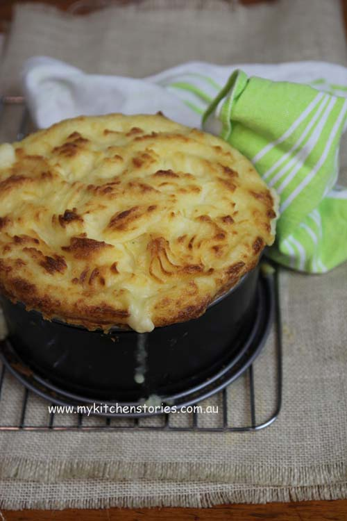 Chicken pie with feta mash