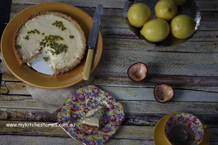 Tart with lemon curd