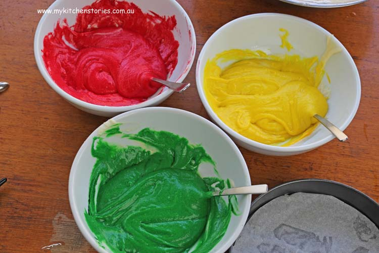 the bowls of coloured cake