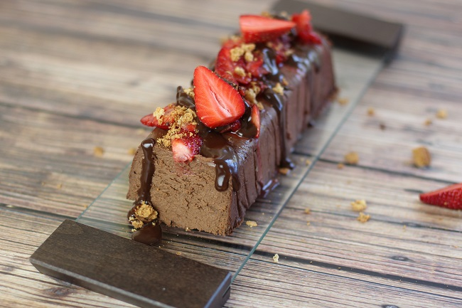 Baked Ricotta Chocolate with figs and strawberries