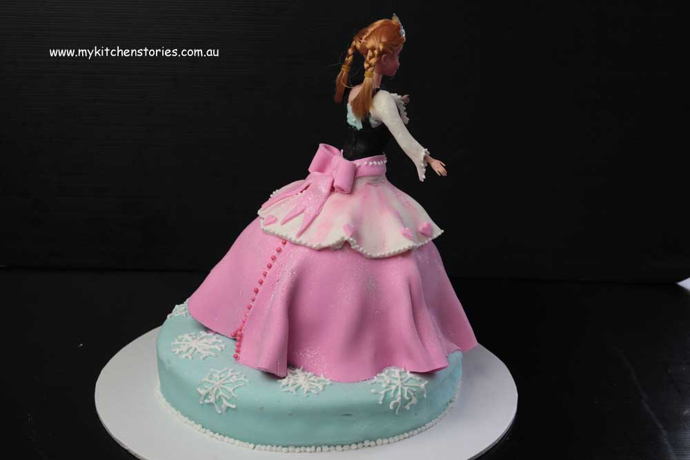 Elsa Doll Cake Images : Frozen Cake, my first attempt..... My Kitchen Stories