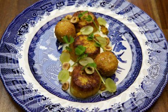 Scallops with Cauliflower cream image by Nick Alexander