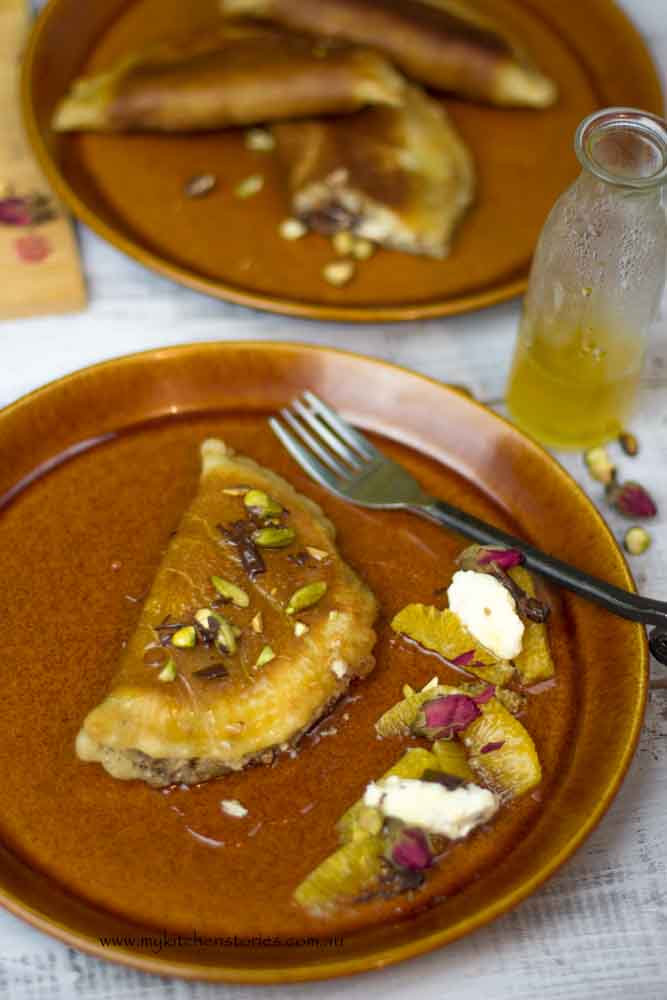 Atayef with pistachios
