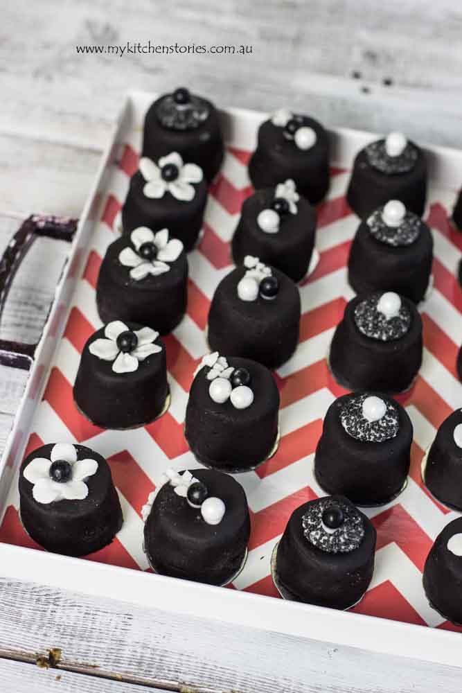 Black Jewel cakes