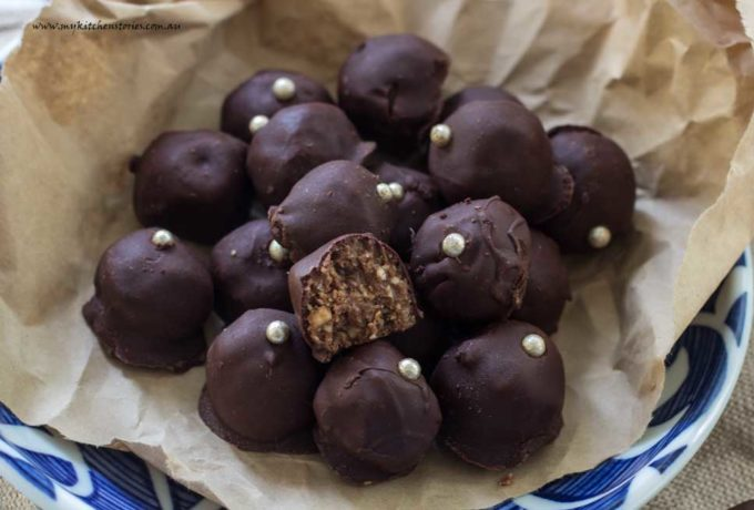 Date chocolate truffles