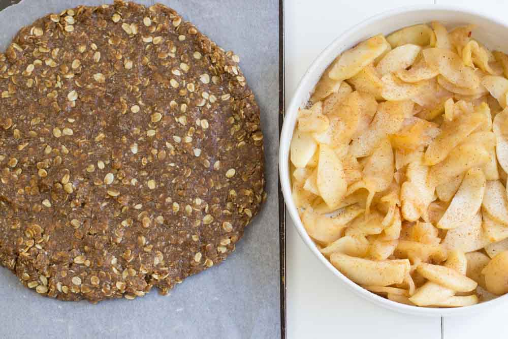 Anzac Biscuit Apple Pie