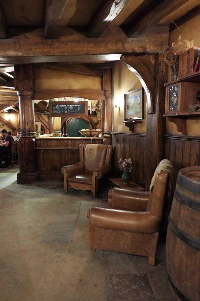 The Green Dragon, Banquet Bar, Hobbiton