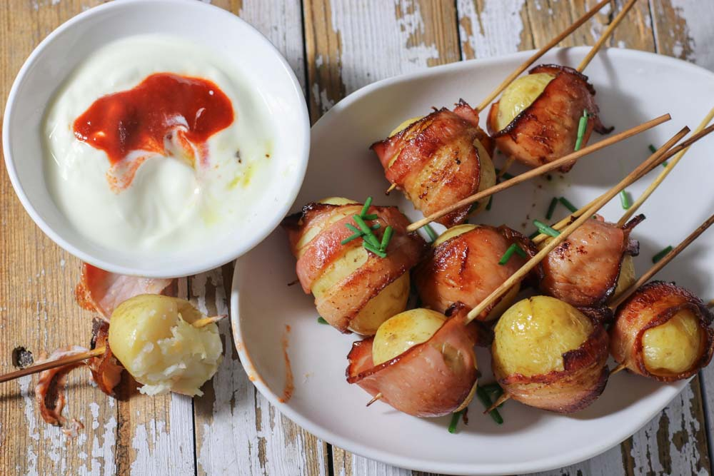 Potatoes with bacon and sour cream
