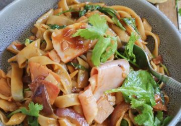Ham stir fry with noodles