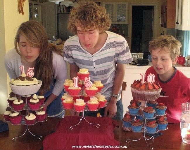 Hazelnut Meringue cake with cousins