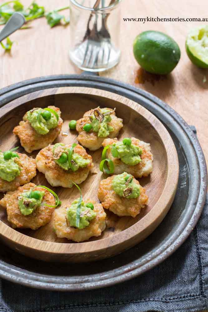 Prawn cakes with curried pea
