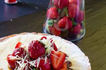 White chocolate strawberry tart and balsamic with fresh strawberries