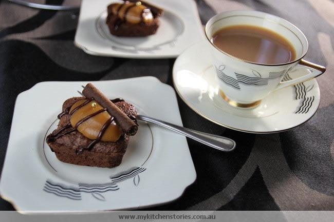 Rosemary Brownies with tea