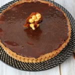 Chocolate Frangipane tart with praline