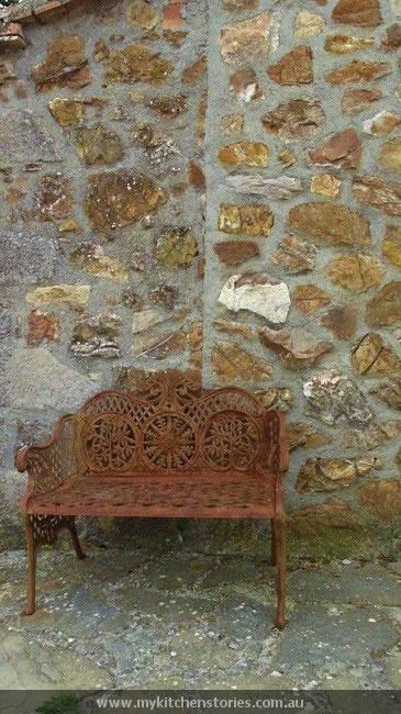 Ampeleia entrance
