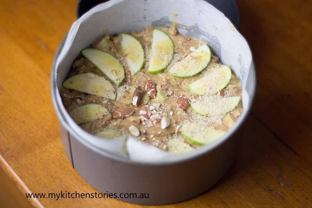 One Bowl Apple Macadamia Cake