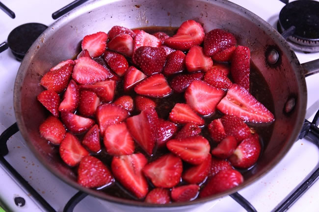 Strawberry Balsamic Sponge with Strawberries sitting getting juicy