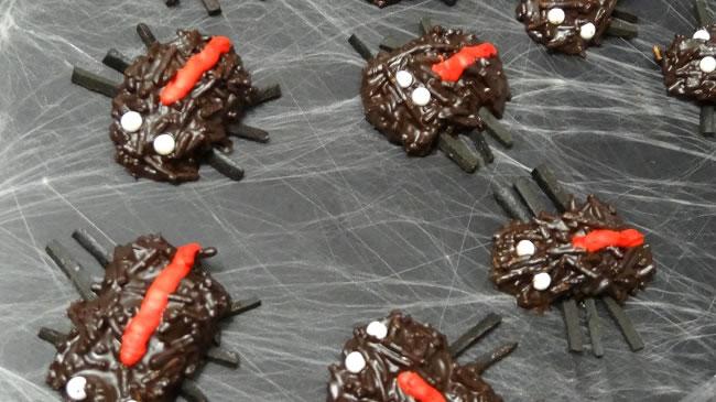 www.hotlyspiced.com supplied creepy spiders for dessert