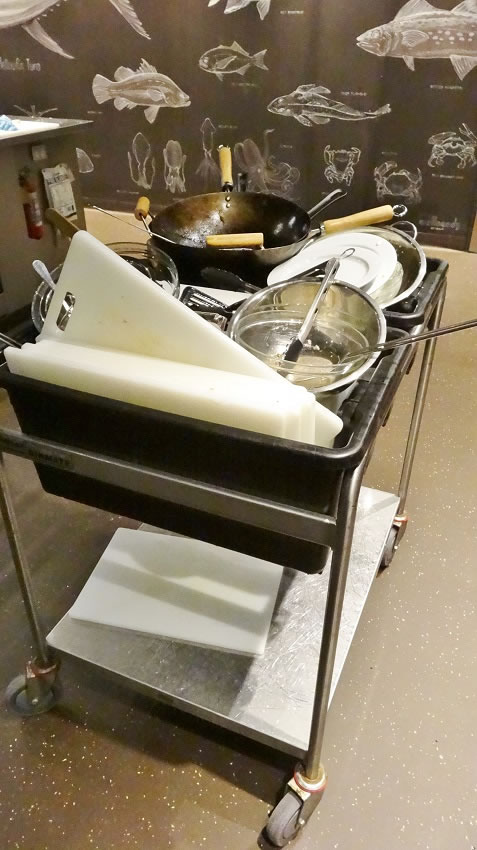 The dishes trolley