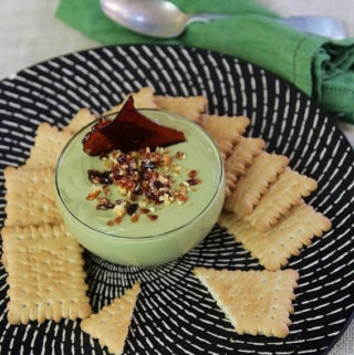 Cheesecake dip in a bowl