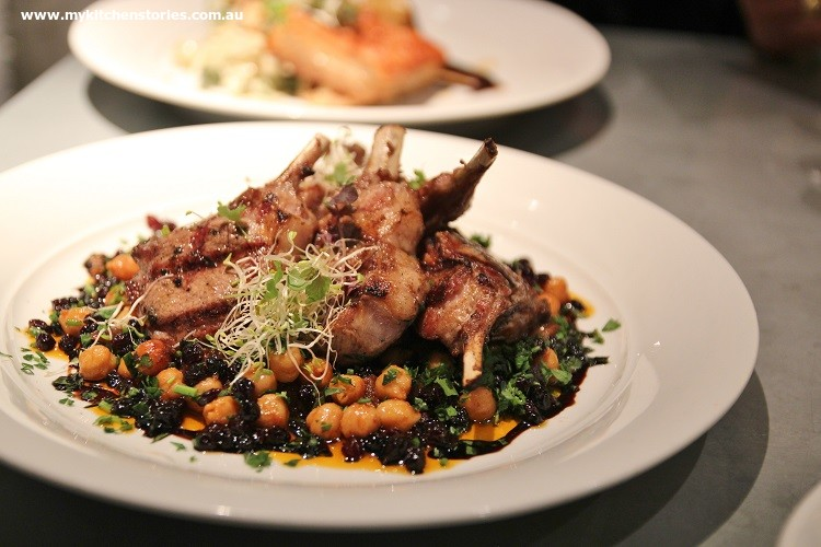 Lamb cutlets with chickpeas and eggplant