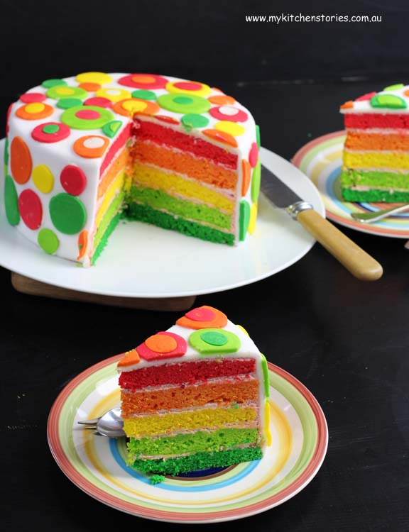 Rainbow cake with Queen products