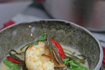 Sea Spaghetti with Prawns coconut and lime