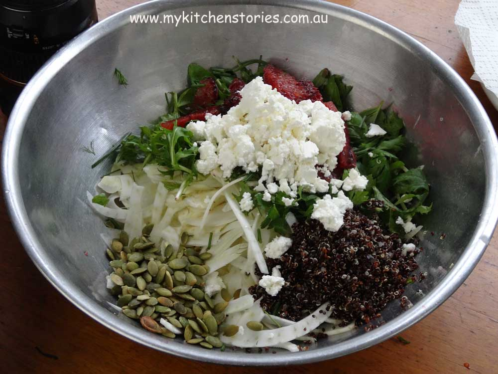 Salad with fennel and oliving pepperocini