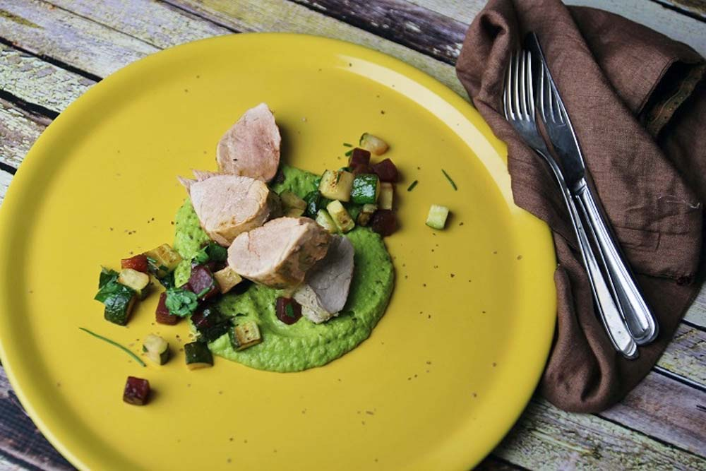 Pork fillet with pea Horseradish sauce