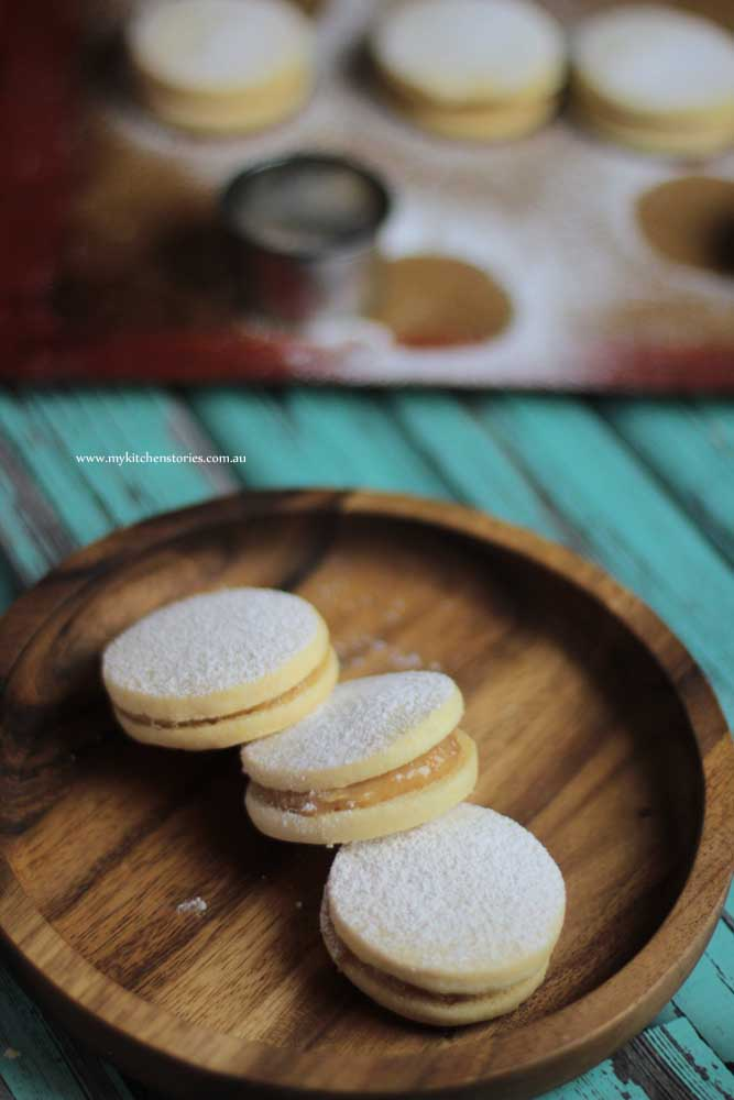 Alfajores with caramel