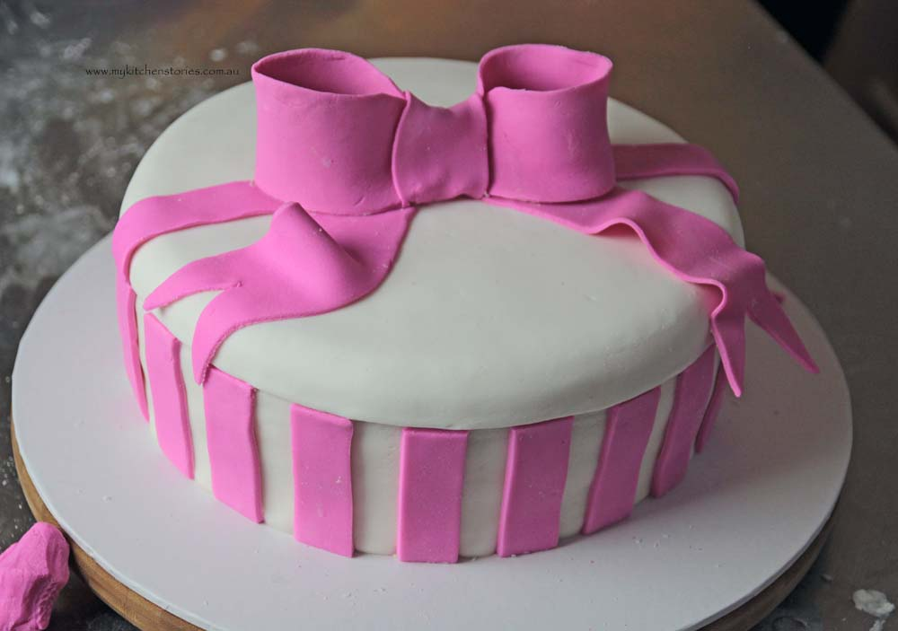 Pink Bow cake bow finished
