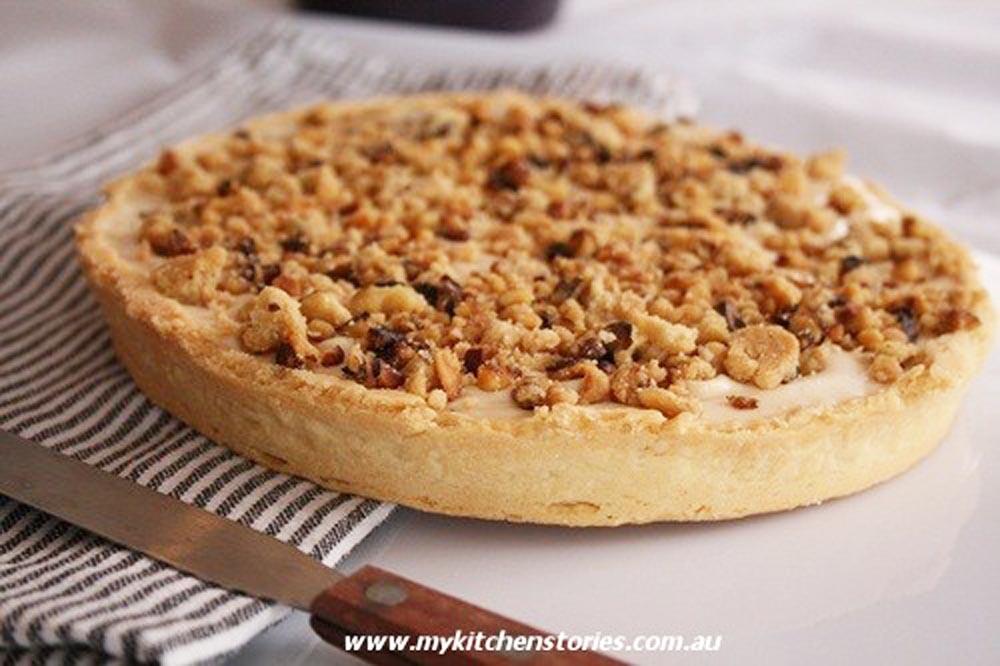 Taleggio and walnut crumble tart