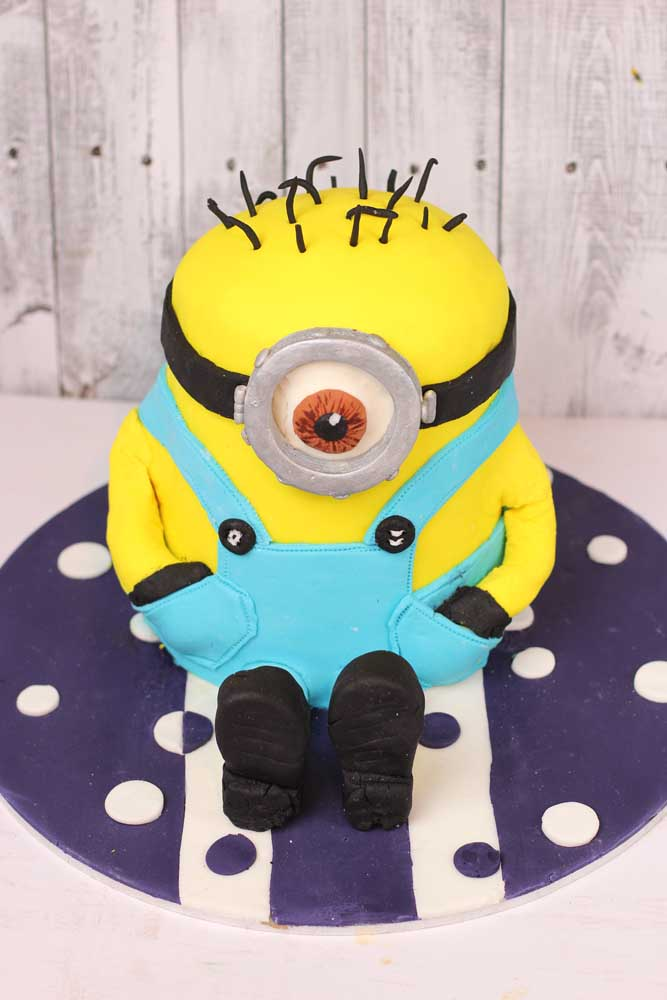 Phenomenal How To Make A Minion Cake My Kitchen Stories Personalised Birthday Cards Paralily Jamesorg