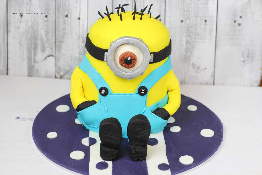 Minion Cake My Kitchen Stories