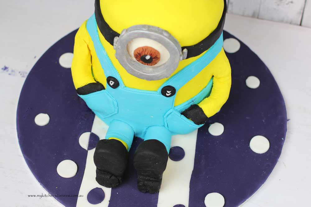 Strange How To Make A Minion Cake My Kitchen Stories Personalised Birthday Cards Paralily Jamesorg