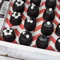 Black Jewel Cupcakes