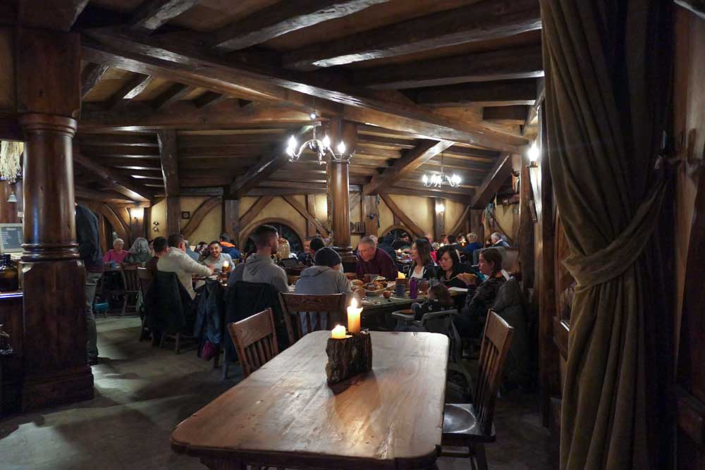 Dinner at the Green Dragon, Hobbiton