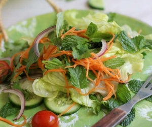 Vietnamese Salad with Nuoc cham dressing
