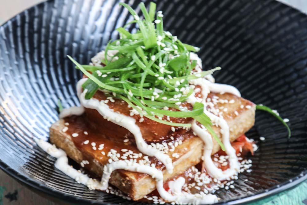 Tofu bowl with kimchi