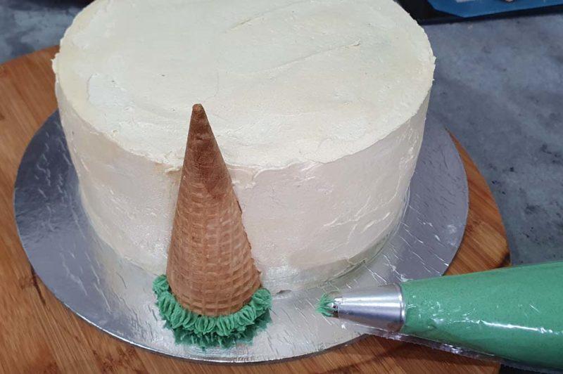 A buttercream christmas cake